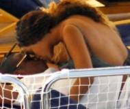 Beyonce and Jay Z kissing during vacations