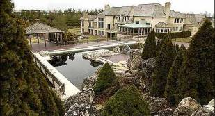 Luxurious 20-Acre Wisne Mansion Up For $11.25 million