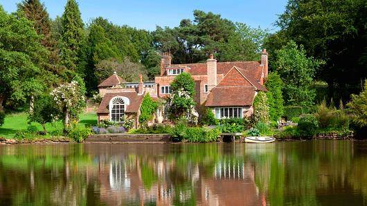 Country home of Vivien Leigh up for auction at $5.9 million