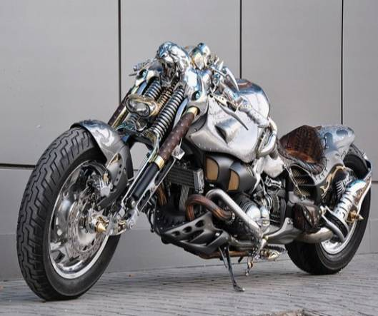 Custom Chimera bike is hand-made in a retro way