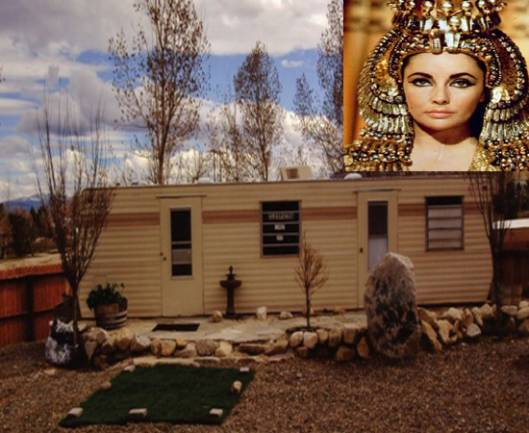 "Elizabeth Taylor's Customized Dressing Room for ""Cleopatra"" goes on sale"