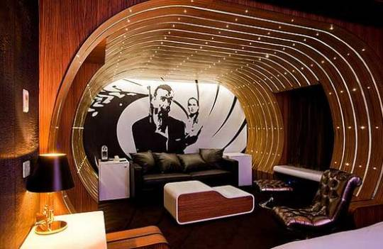 007 suite seven hotel paris 1