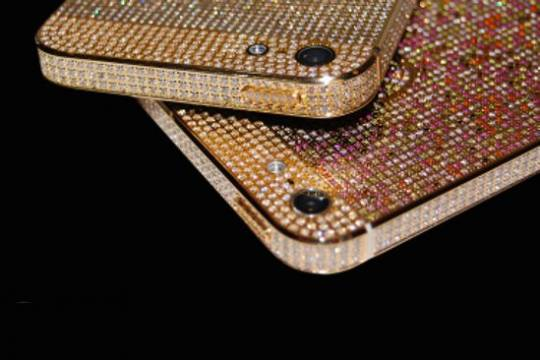 Continental Mobiles Adamas and Aurora series iPhone 5 see the use of gold and diamonds in unparalleled generosity