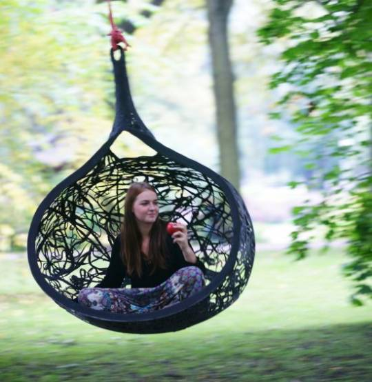 Manu Nest, the hanging chair