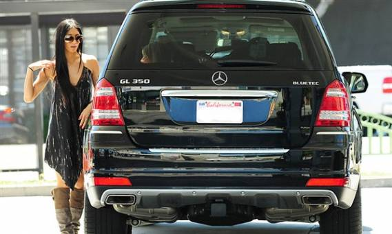 photo of Nicole Scherzinger Mercedes GL350 CDI - car