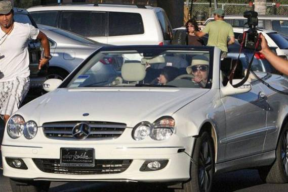 Britney Spears drives Mercedes-Benz CLK Cabriolet