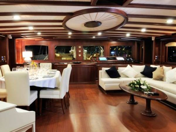 Superyacht Regina_Living area
