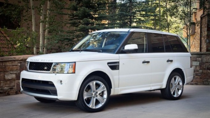 The singer loves driving around in her white $85000 Range Rover Sport.