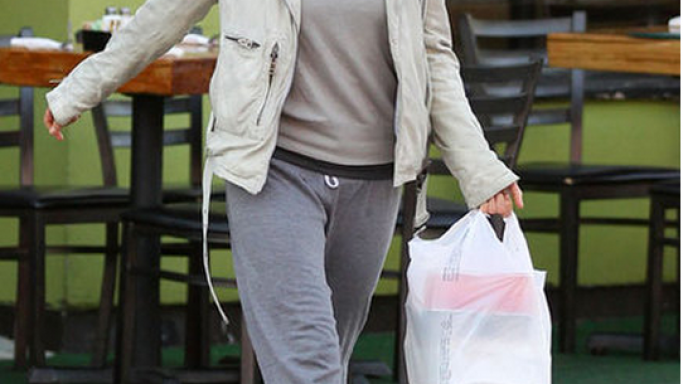 Michelle has been snapped wearing UGG Bailey Button designer boots while shopping.