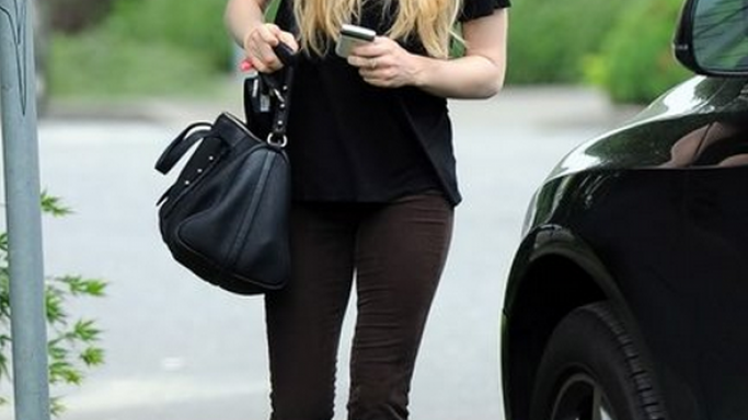 Amanda Seyfried looked cool in her TOMS slip-ons