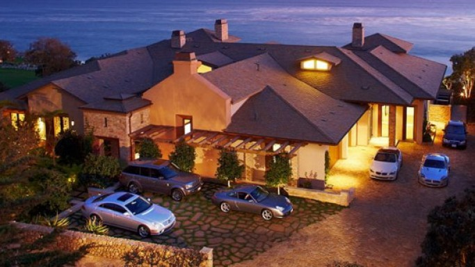MariSol's oceanfront estate in Malibu for sale at $17 million