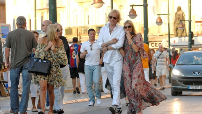 Kate Moss and Davinia Taylor in St Tropez