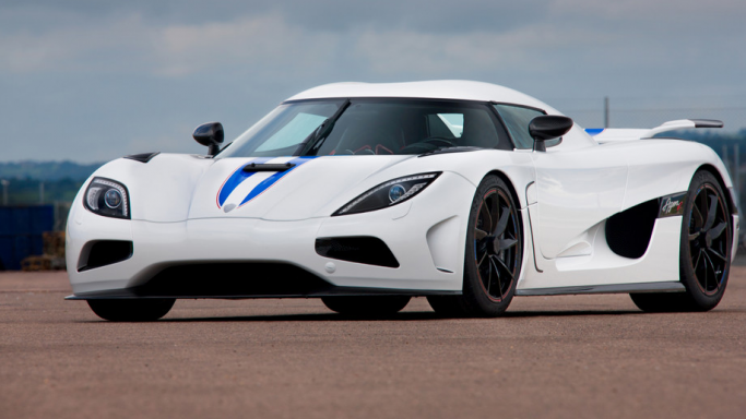Koenigsegg Agera R - Bornrich , Price , Features,Luxury factor ...