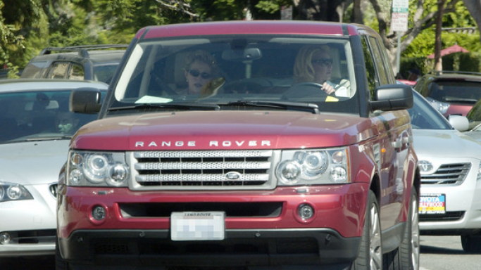 Heigl has embarked on several shopping expeditions in her burgundy colored Range Rover SUV along with her mother.