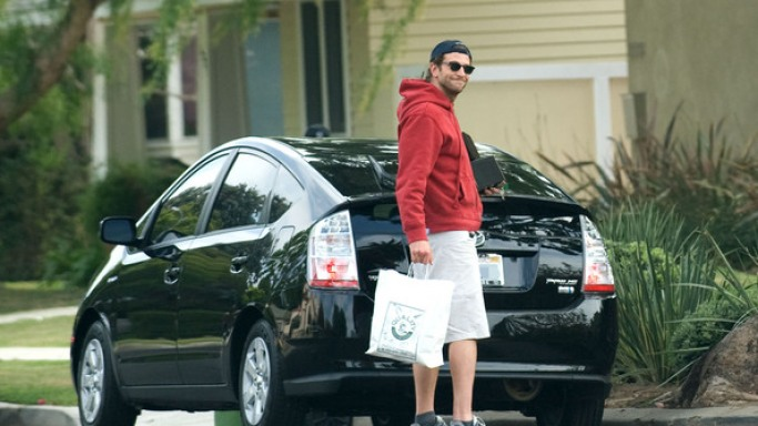 photo of Bradley Cooper G55 AMG Mercedes, Toyota Prius - car