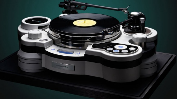 $79,500 TechDAS State-of-the-Art turntable packs in the latest electronics and machining technology