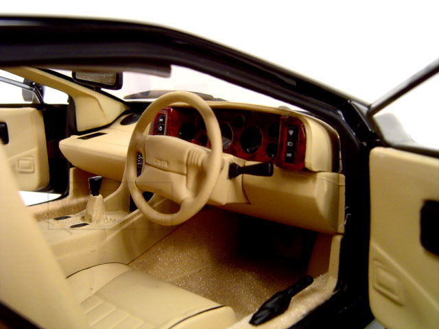 Lotus Esprit V8 Interior