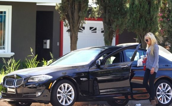 photo of Amanda Bynes Range Rover, BMW X5 - car