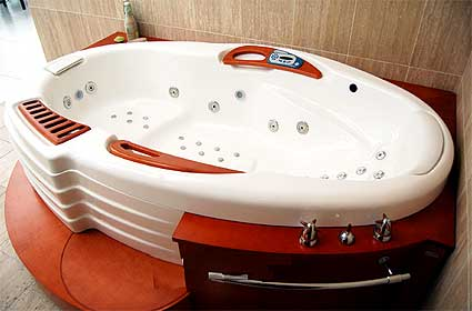 Intelligent Zenit Wall BathTub